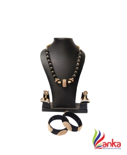 Black With Oval Beads Silk Set Jewellery