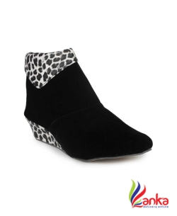 Cattz Stylish & Fashionable Boots For Women  (Black)